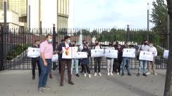 """Flashmob organizat de PAS Youth cu tema """"Vrem să lucrăm acasă"""""""