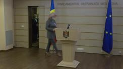 """Briefing de presă susținut de deputații Platformei parlamentare """"Pentru Moldova"""", Ruxanda Glavan și Vladimir Vitiuc"""