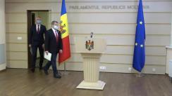 """Briefing de presă susținut de către deputatul Platformei parlamentare """"Pentru Moldova"""", Corneliu Padnevici, și deputatul Partidului """"ȘOR"""", Igor Himici"""