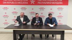 Briefing susținut de către deputații PSRM Vlad Batrîncea, Bogdan Țîrdea și Vasile Bolea