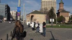 """""""Împreună împotriva urii"""" - flashmob organizat de Asociația Reset Iași, în fața Palatului Culturii din Iași"""