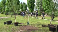 Președinții Republicii Moldova și a Republicii Lituania, Maia Sandu și Gitanas Nauseda, plantează câte un arbore la Grădina Botanică din Chișinău