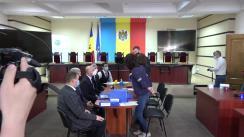 Depunerea documentelor la Comisia Electorală Centrală pentru înregistrare la alegerile parlamentare a Partidului Democrat din Moldova