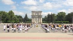 """Flashmob organizat de PAS Youth cu tema """"Să plece hoții! Tinerii rămân acasă!"""""""