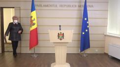 """Briefing de presă susținut de către deputatul fracțiunii parlamentare a Partidului """"ȘOR"""", Reghina Apostolova"""